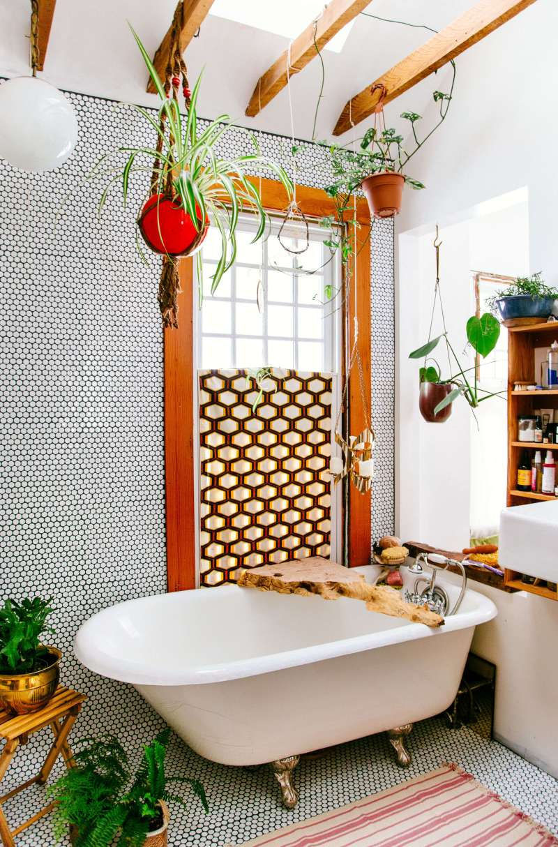 the_new_boho_emily_henderson_bathroom