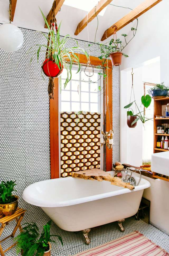 the_new_boho_emily_henderson_bathroom