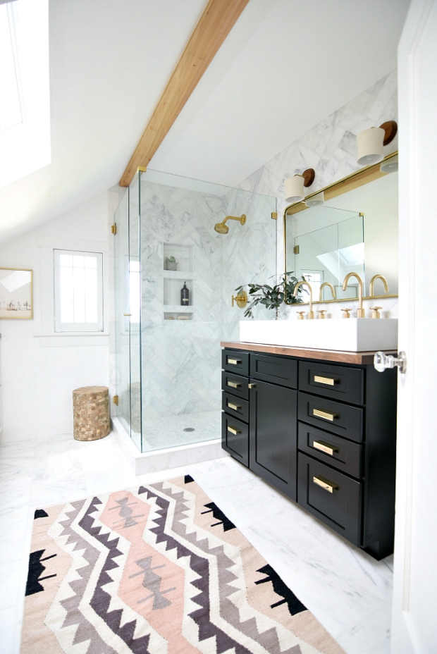 eclectic-black-white-bathroom